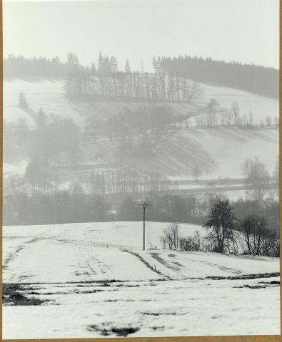 Z Pastviny (593m.n.m.) pohledn na Kamenný vrch (635 m.n.m.) u Dolního Kramolína - 2017/ii